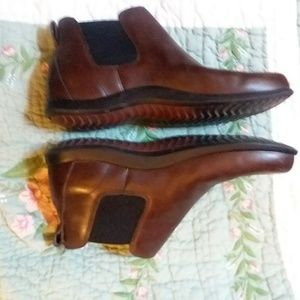 Roots Brown Leather Boots